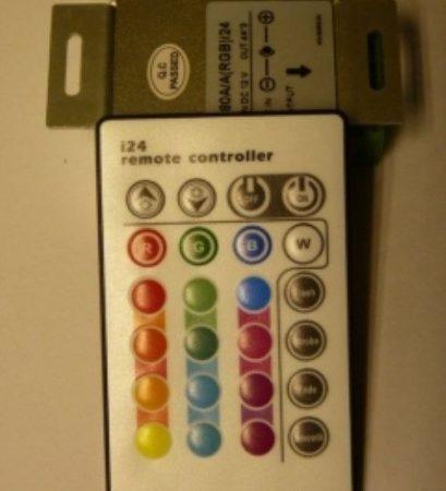 RGB led szalag vezérlő, 144W, infrás 24 gombos